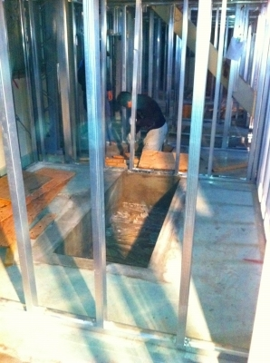1階座敷の 落とし穴も型枠撤去