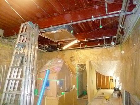 造作下地工事もほぼ完了 吹き付け塗装の準備です。