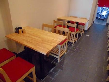 テーブル席は2か所
