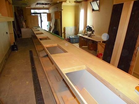 2名用の鉄板6箇所分の開口も完了し