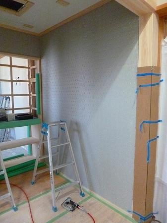 室内では塗り壁用の下地ボードを施工