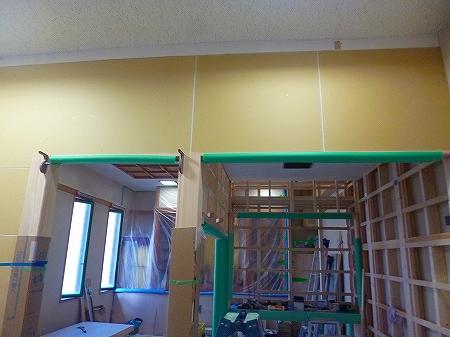 部分改造ですので、壁紙を張替ないところに 傷や汚れがつかないよう施工してまいります。
