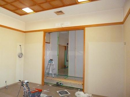 納骨堂内に護摩焚き場を設置するため 入口となる開口部を増設致します。
