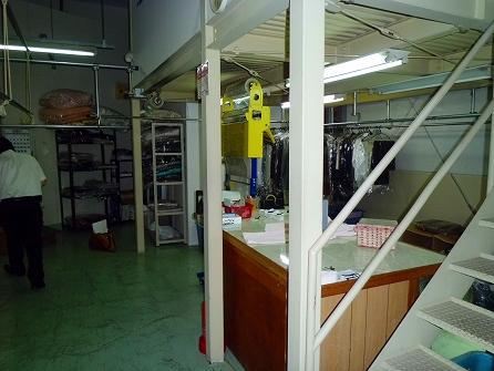店内の備品が多いので撤去後に再調査が必要です