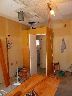 トイレ前の前室部分内側には手洗器を設けております